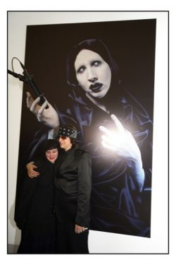 HELNWEIN GOTTFRIED - FACE IT LENTOS MUSEUM2008 - MARILYN MANSON LOVES MICROPHONES