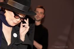 YOKO ONO-PERFORMANCE-KUNSTHALLE KREMS5-2912